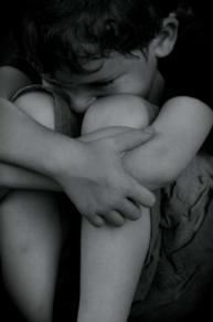 http://www.beschneidung-von-jungen.de/uploads/pics/adoption_under_one_roof_trauma_child_bnw.jpg